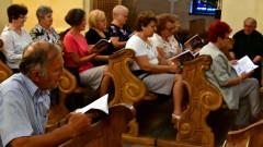 Patriotyczne śpiewanie w biłgorajskim 'Kościółku'