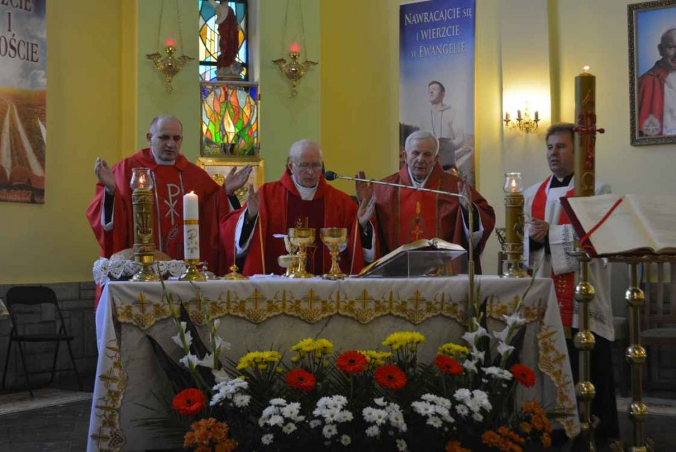 13.05 parafia pw. Matki Bożej Częstochowskiej w Nieledwi