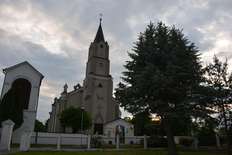 23.05 Kryłów. Parafia pw. Narodzenia NMP