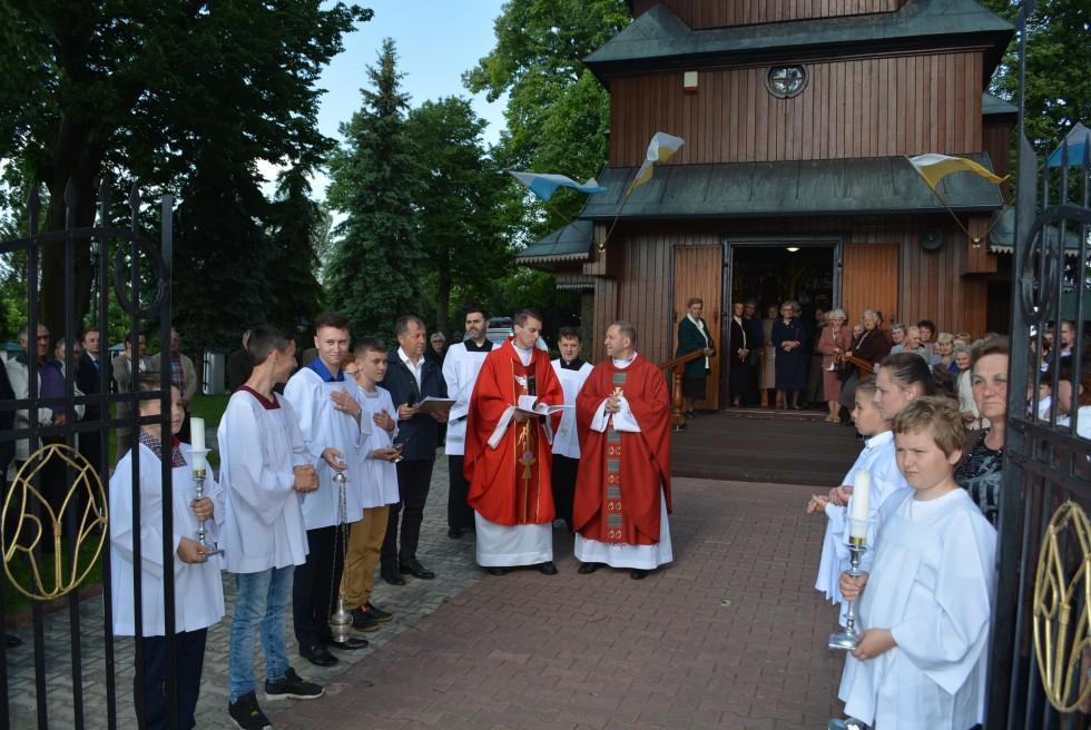 31.05 Zubowice. Parafia pw. św. Michała Archanioła