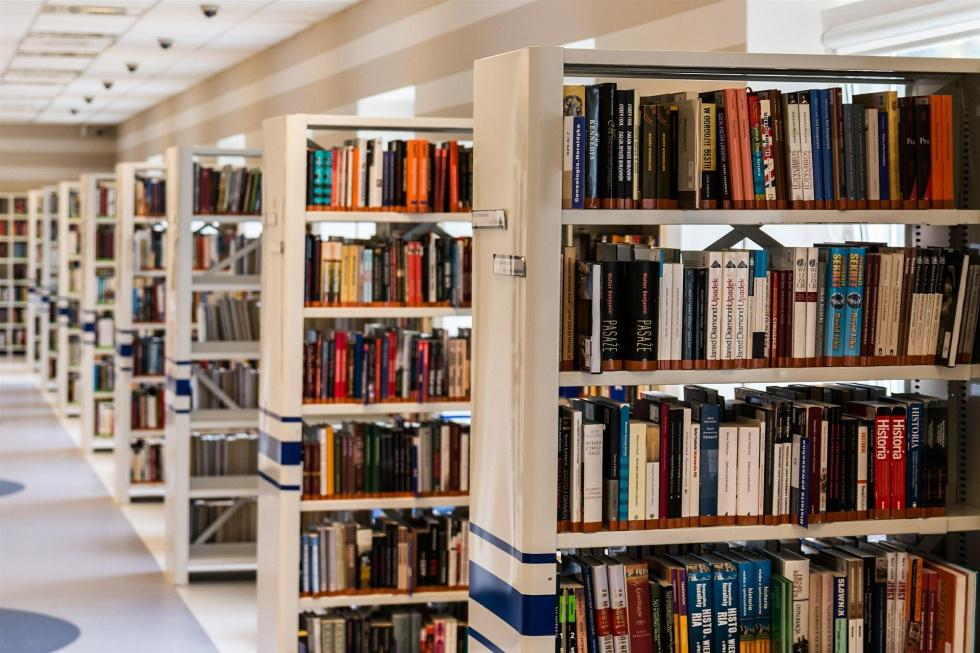 Aleksandrów. Academica w bibliotece