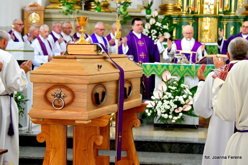 Biłgoraj. Msza św. żałobna za śp. ks. Romana Kulczyckiego
