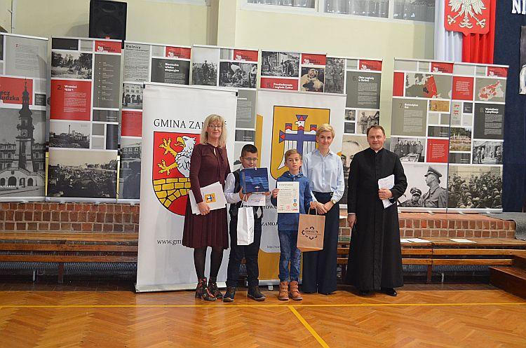 Konkurs o bł. Karolinie Kózkównie i św. Stanisławie Kostce