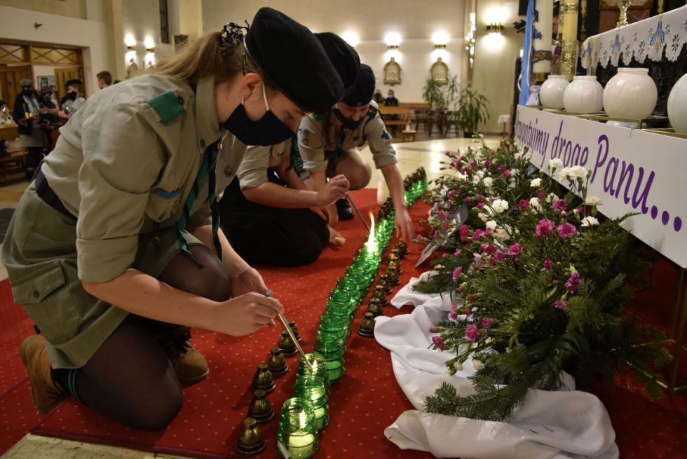 Lubaczów. Betlejemskie Światło Pokoju dotarło już do Lubaczowa.