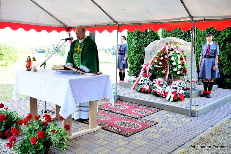 Majdan Stary w hołdzie pomordowanym