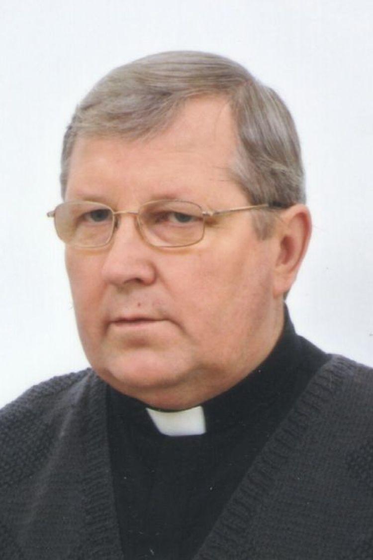 Msza św. pogrzebowa za śp. ks. kan. Henryka Borzęckiego