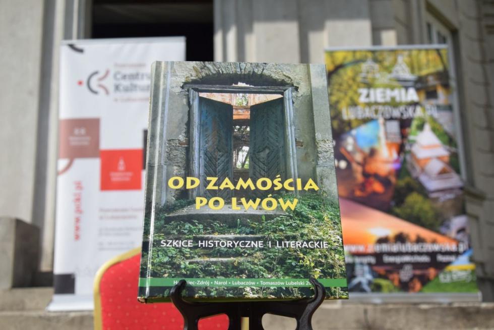 """Narol. """"Od Zamościa po Lwów"""" w Pałacu Łosiów"""
