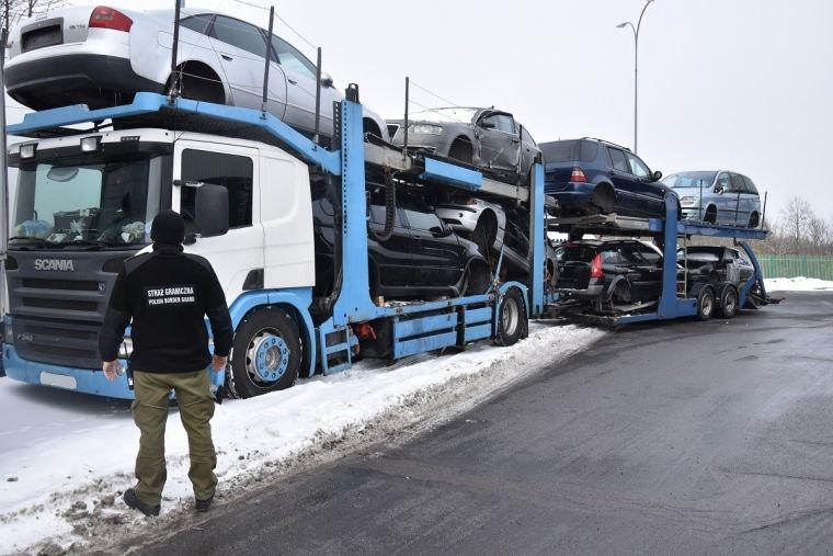 Odzyskano poszukiwany w Polsce zestaw ciężarowy