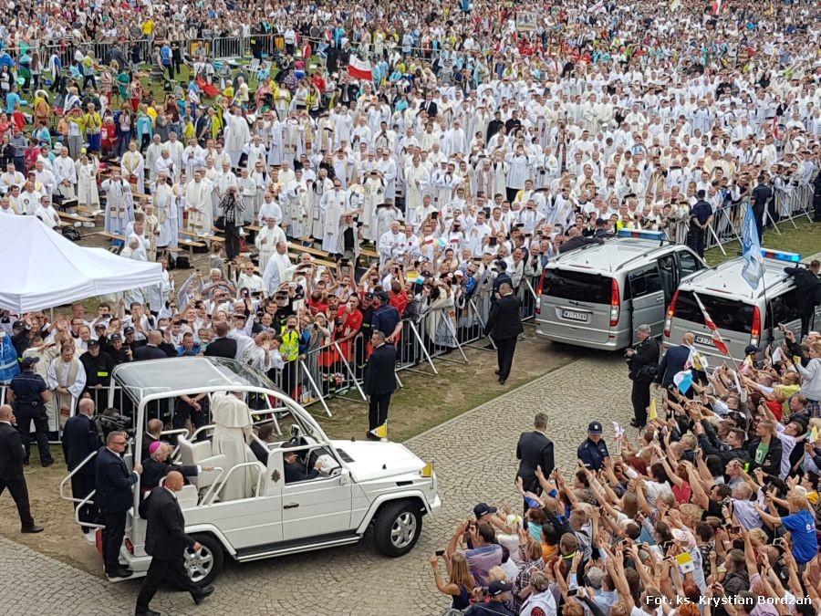 Pielgrzymi z diecezji na spotkaniu z papieżem Franciszkiem na Jasnej Górze
