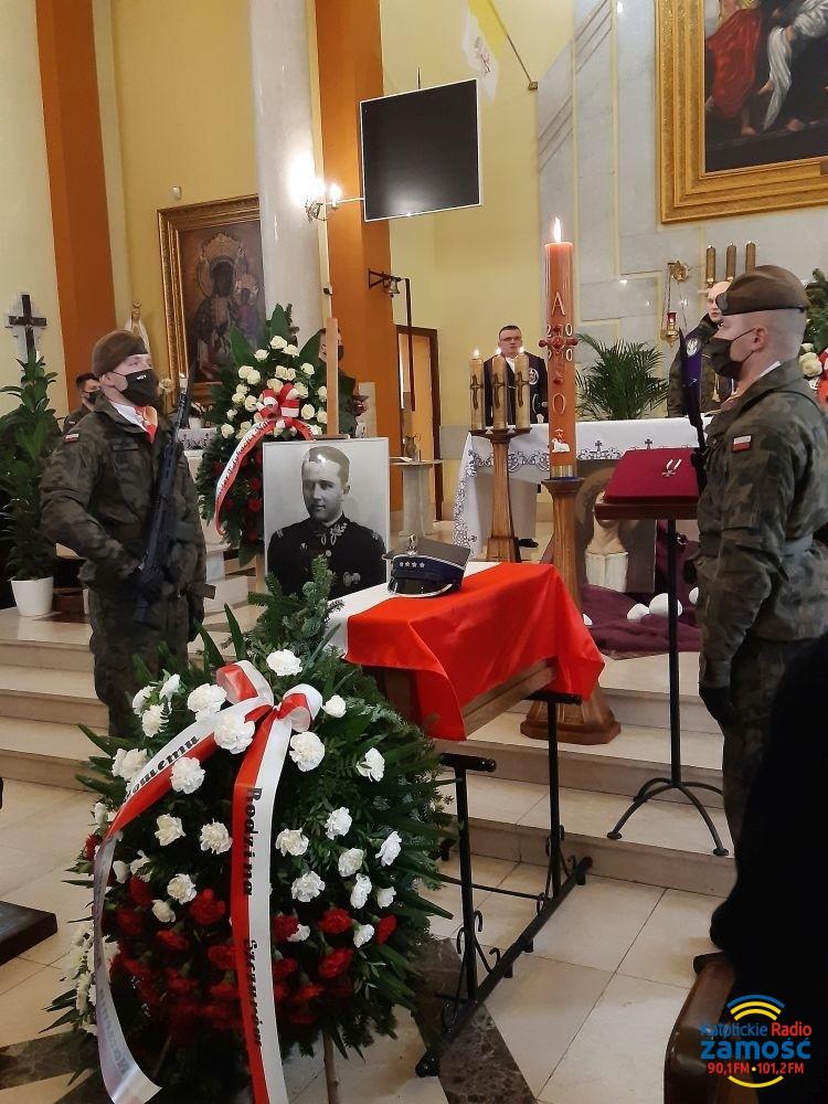 Pogrzeb żołnierza niezłomnego kpt. Romana Szczura