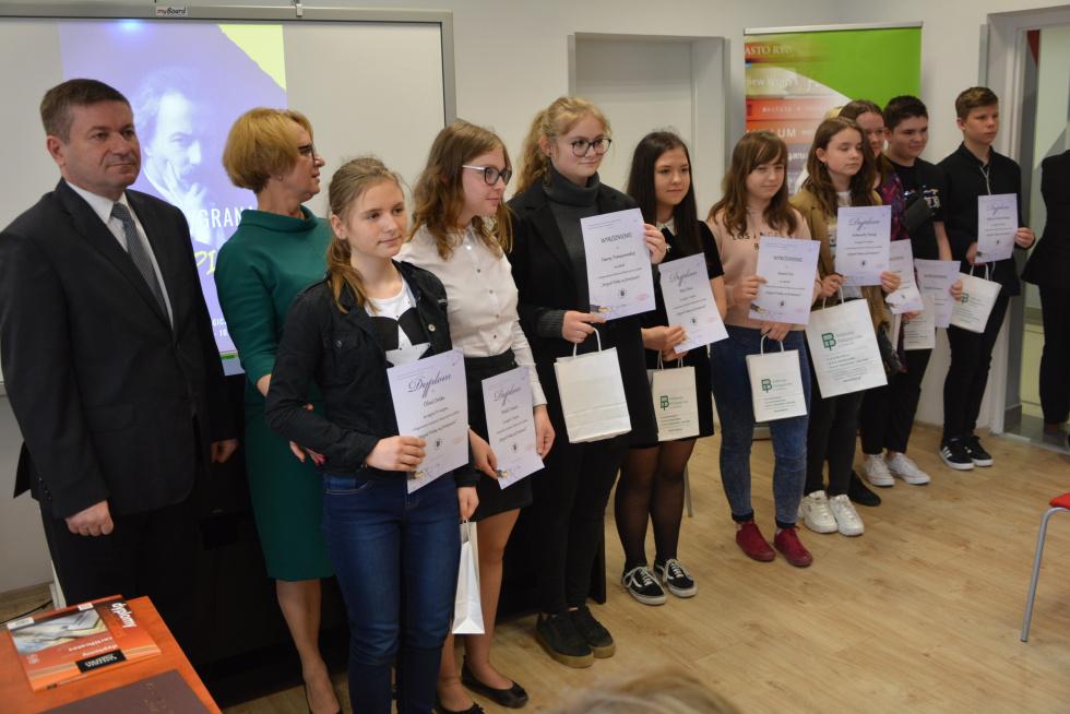 Projekt ph. Polska wygrana na fortepianie