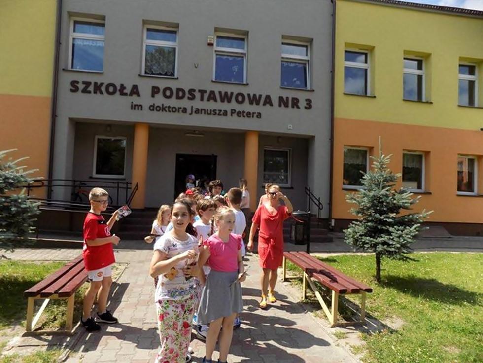 """Sportowe """"pierwszaczki"""" w SP nr 3 w Tomaszowie"""