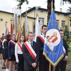 Lubaczów. 12 rocznica nadania imienia Jana Pawła II Zespołowi Placówek